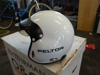 peltor G6 med hans clips storlek M använd finns repor men inga sprickor c9a0c63b9eba9